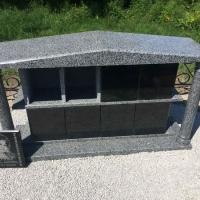 Купить место в колумбарии Крематория г. Киева - от 6 тыс. грн. На фото семейный склеп для захоронения урн, на Байковом кладбище.